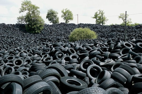 ADL   champ de pneus